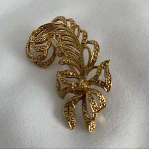 Gold Feather & Ribbon Women's Brooch